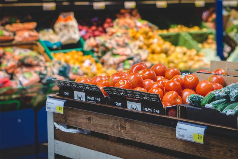 etaLight Anwendung Supermarkt Preisschilder Tomaten und Gurken