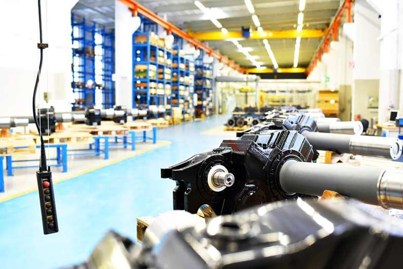 etaLight Anwendung Industrie Lager mit Maschinen